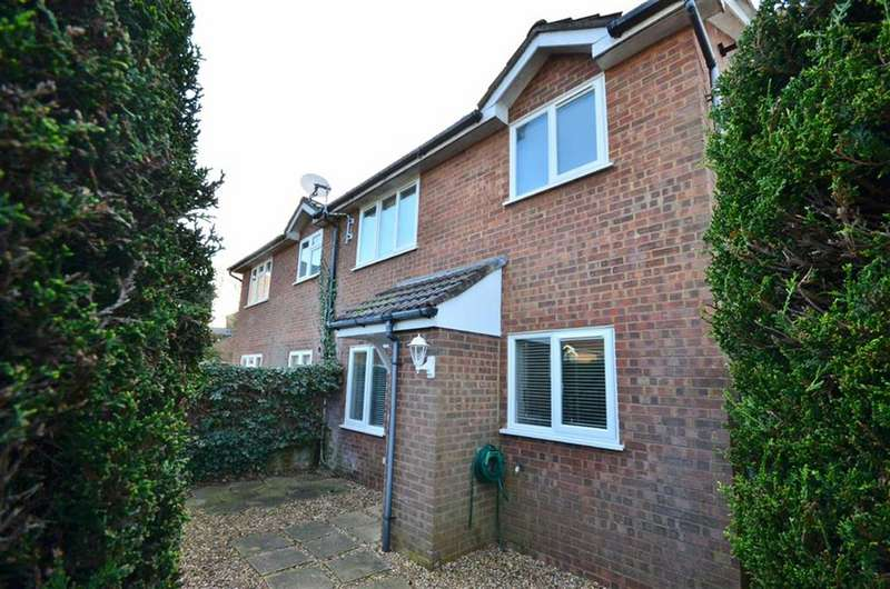 1 Bedroom Terraced House for sale in Southern Way, Farnham