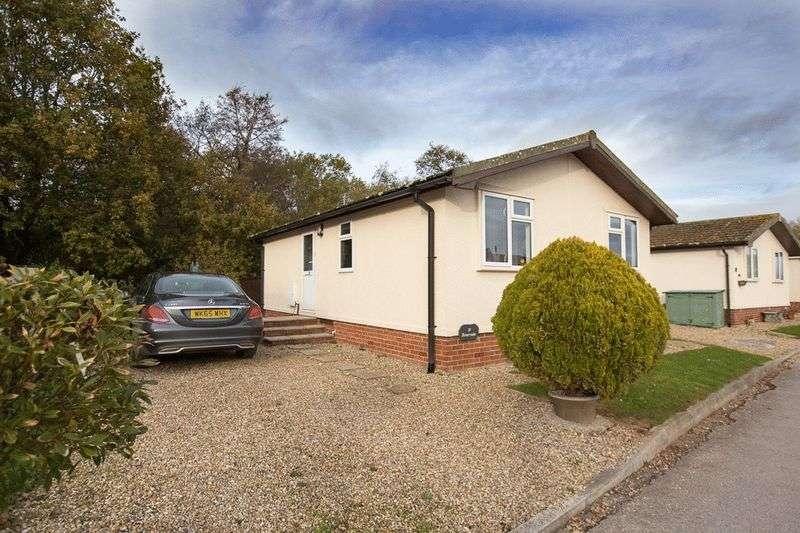 2 Bedrooms Property for sale in Warren Road Hazelwood Park, Dawlish Warren