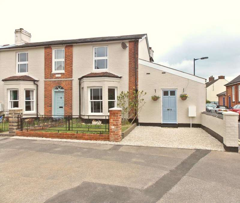 3 Bedrooms Cottage House for sale in High Street, Walton, Felixstowe, IP11