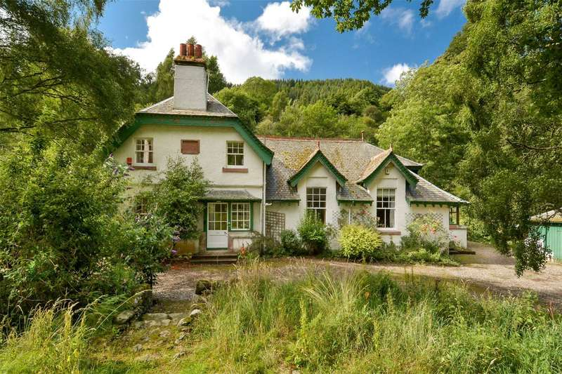4 Bedrooms Detached House for sale in Schoolhouse, Killiechassie, Aberfeldy, Perthshire, PH15