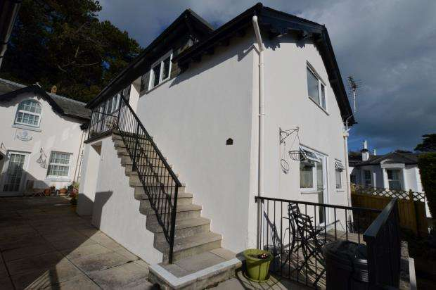 1 Bedroom Flat for sale in Pine Court, Middle Warberry Road, Torquay, Devon