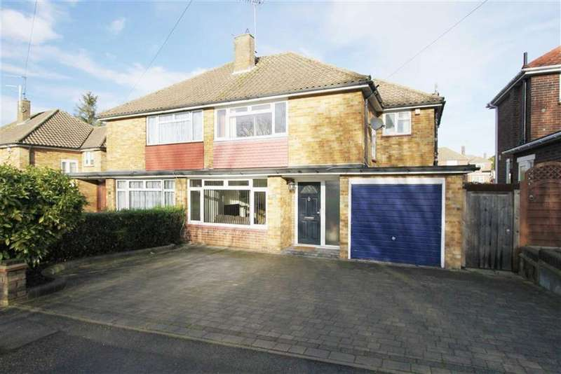 3 Bedrooms Semi Detached House for sale in Hillary Mount, Billericay