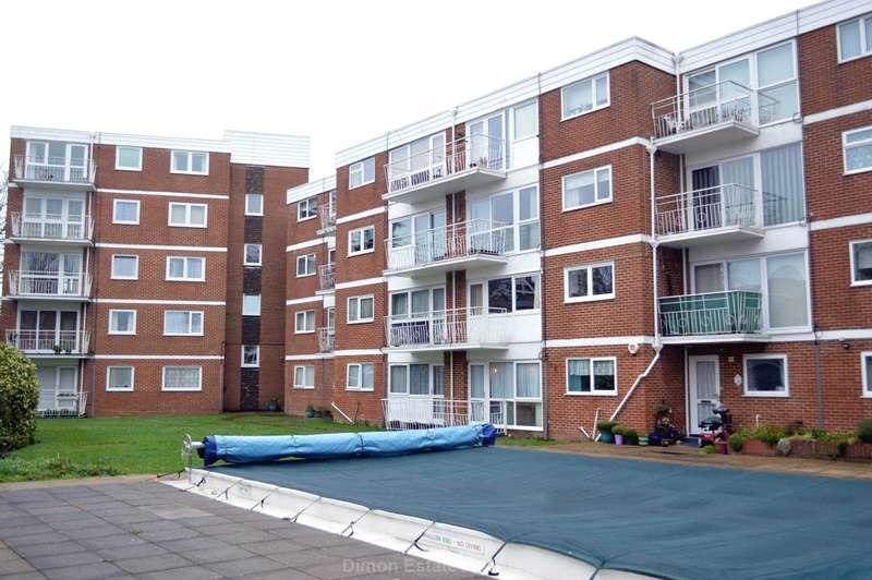 2 Bedrooms Flat for sale in Elmhurst Road, Gosport