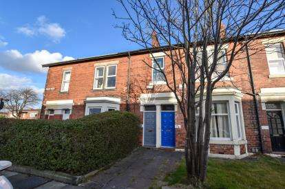 3 Bedrooms Flat for sale in Beaumont Terrace, Gosforth, Newcastle Upon Tyne, Tyne and Wear, NE3