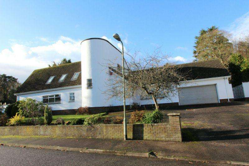 6 Bedrooms Detached House for sale in MOORLANDS, WEST HILL