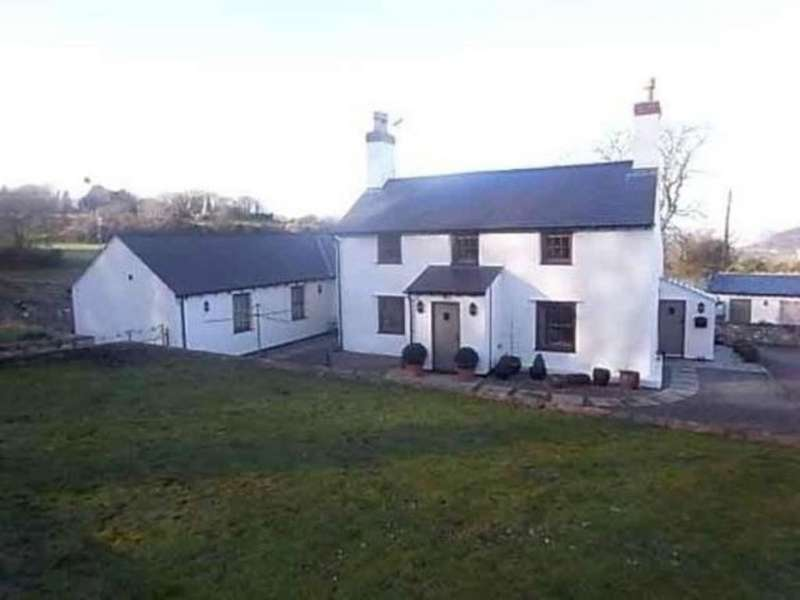 4 Bedrooms Cottage House for rent in Bryn Pydew Road, Llandudno Junction