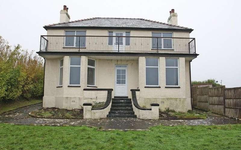 6 Bedrooms Detached House for sale in Maes Llydan, Benllech, Tyn-Y-Gongl