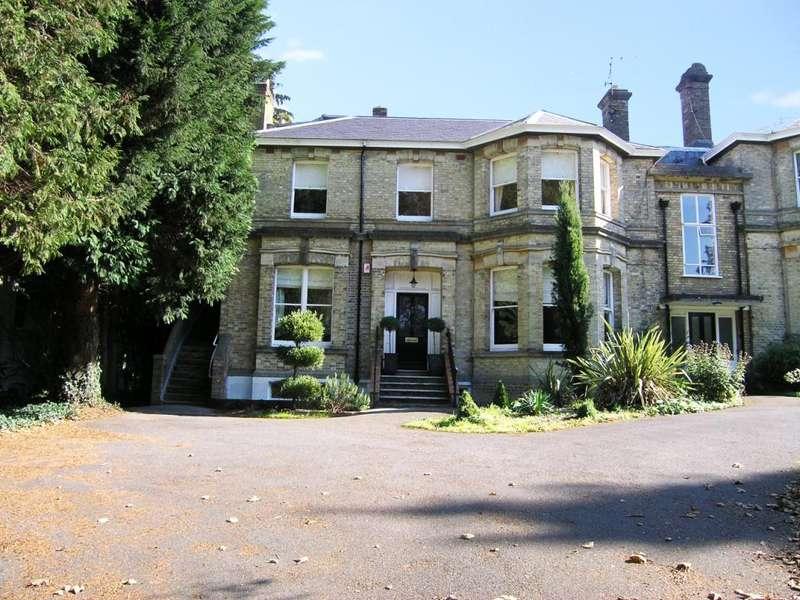 3 Bedrooms Maisonette Flat for sale in Frant Road, Tunbridge Wells, Kent, TN2