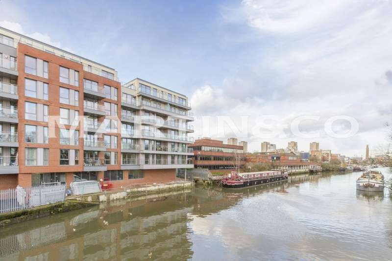 2 Bedrooms Apartment Flat for sale in Lighterage Court - Kew Reach TW8
