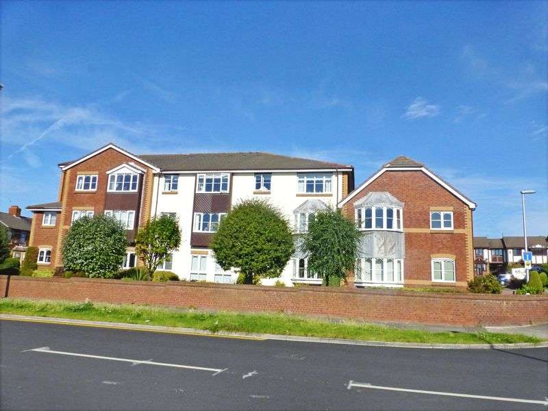 2 Bedrooms Property for sale in Grizedale Court, Blackpool, FY3 9AP