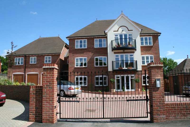 3 Bedrooms Apartment Flat for rent in Haslemere