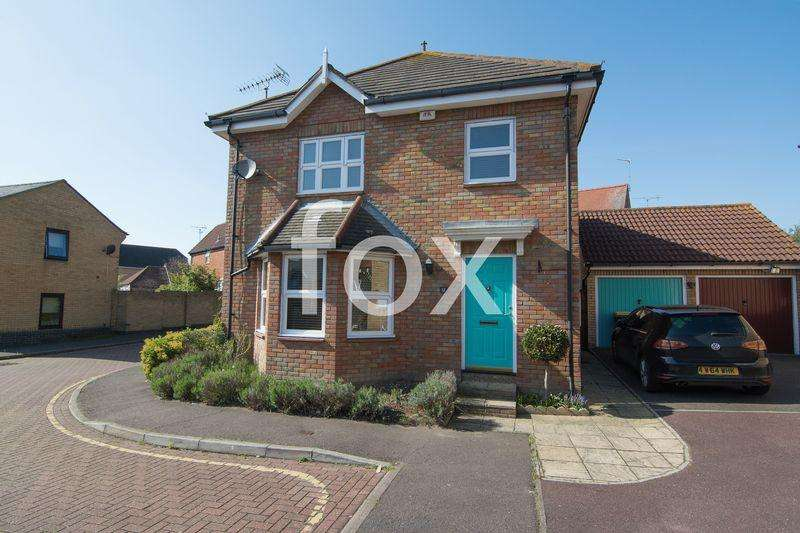 3 Bedrooms Detached House for sale in Millview Meadows, Rochford
