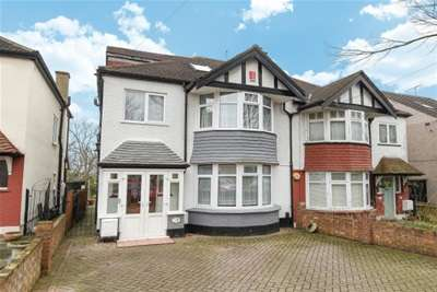 4 Bedrooms House for rent in North Chingford