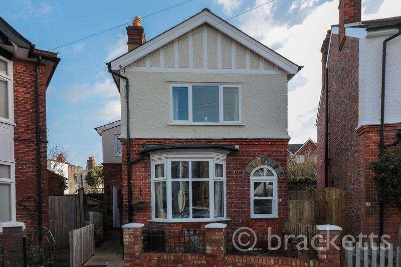 3 Bedrooms Detached House for sale in Culverden Avenue, Tunbridge Wells