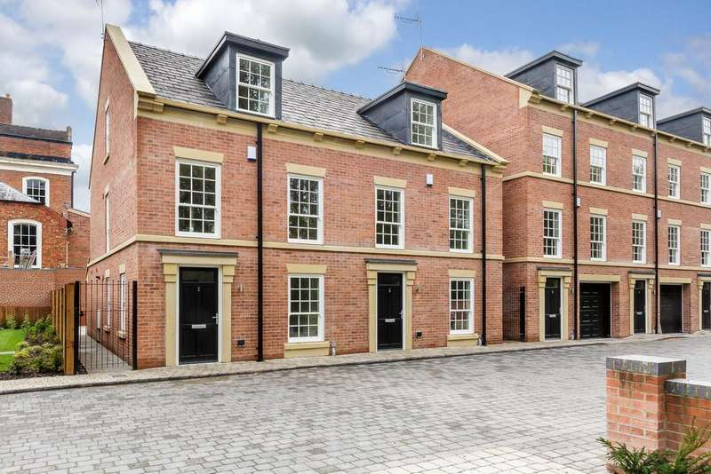 4 Bedrooms Town House for sale in Nantwich, Cheshire
