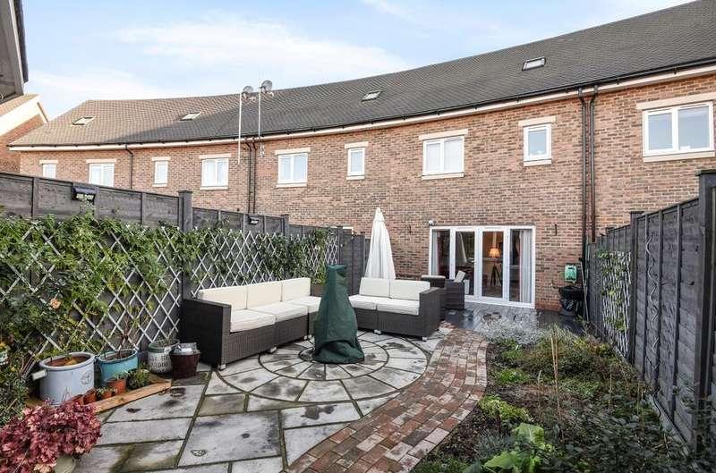 3 Bedrooms House for sale in Meaden Way, Felpham, Bognor Regis, PO22