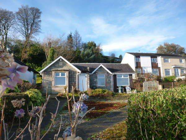 2 Bedrooms Detached Bungalow for sale in Glenacre Lodge, 12 Glenacre, Innellan, Dunoon, PA23 7TG