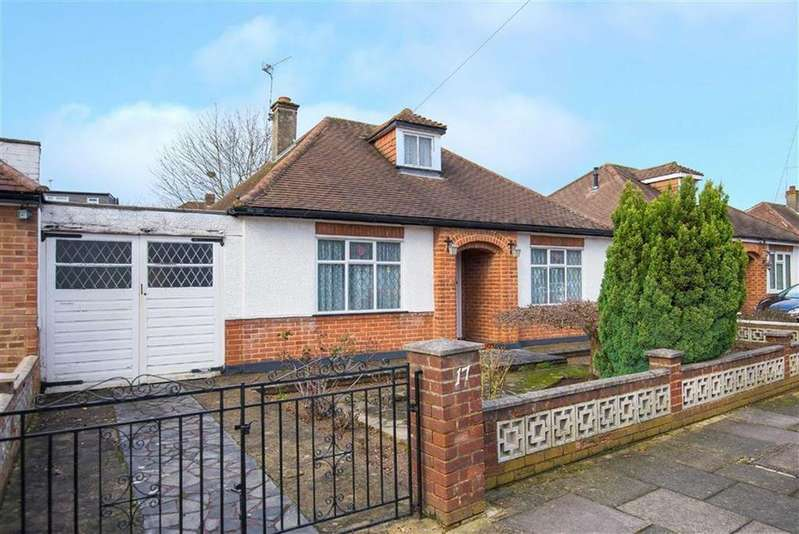 2 Bedrooms Detached Bungalow for sale in The Vale, South Ruislip, Middlesex