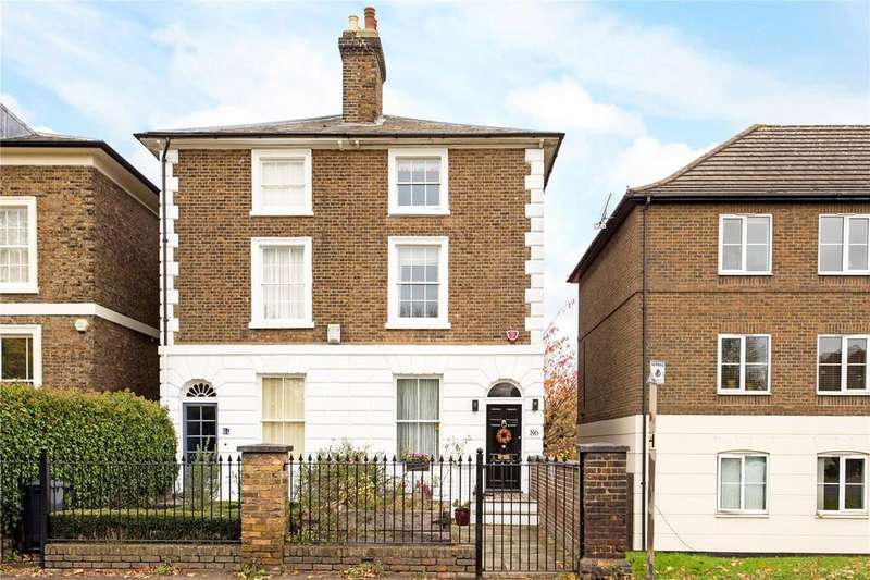 4 Bedrooms Semi Detached House for sale in Station Road, Broxbourne, Hertfordshire, EN10