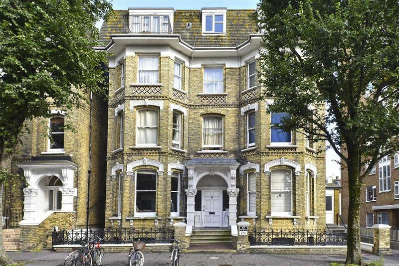 1 Bedroom Flat for sale in The Drive, Hove