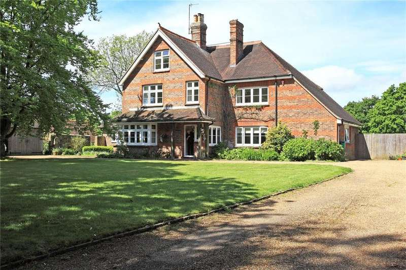 5 Bedrooms Detached House for sale in Back Lane, Waldron, Heathfield, East Sussex, TN21