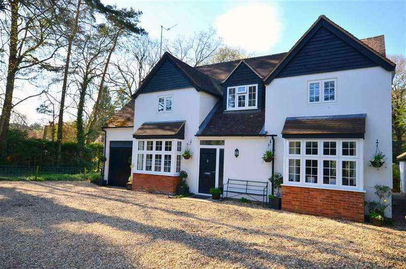 5 Bedrooms Detached House for sale in Frensham Vale, Lower Bourne, Farnham