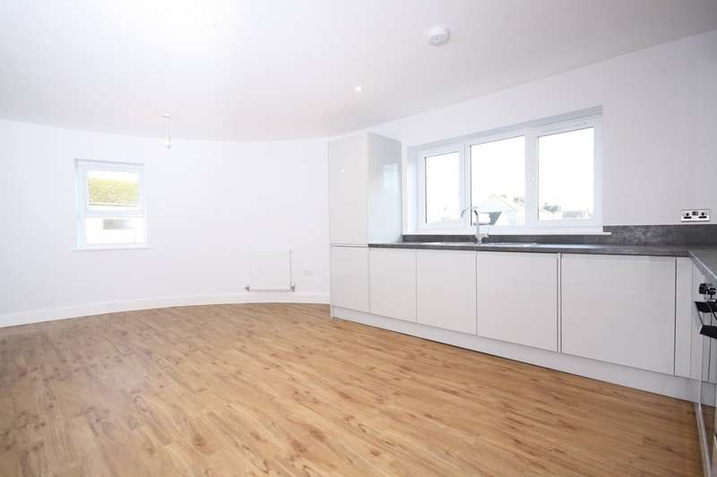 2 Bedrooms Apartment Flat for sale in Park Road, Folkestone CT19