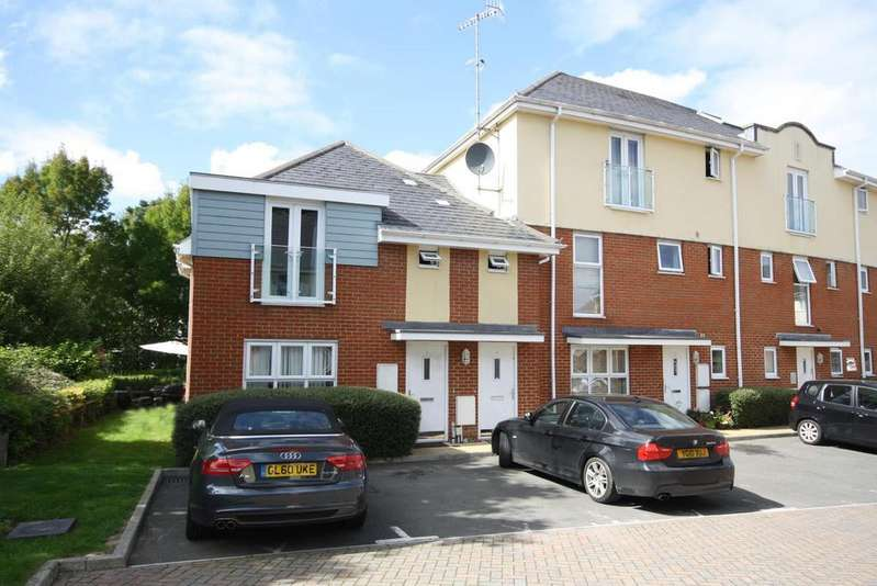 2 Bedrooms Ground Flat for sale in Foxboro Road, Redhill RH1