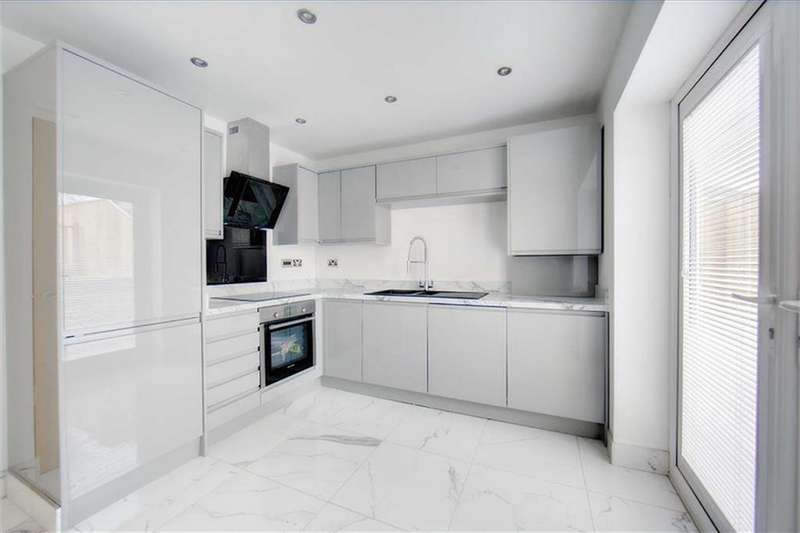 4 Bedrooms Semi Detached House for sale in Central Avenue, North Shields, Tyne Wear, NE29