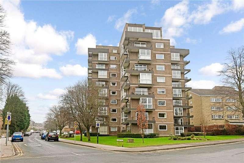 3 Bedrooms Flat for sale in Esplanade Court, 2 St. Marys Walk, Harrogate, North Yorkshire, HG2