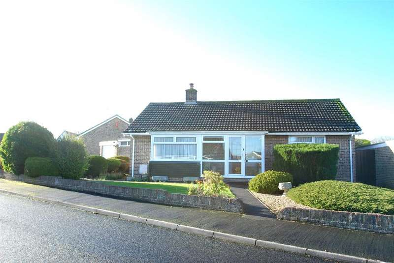 2 Bedrooms Detached Bungalow for sale in Highfield Crescent, Taunton