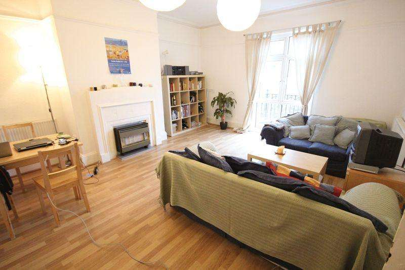 2 Bedrooms Apartment Flat for rent in St Johns Terrace, Hyde Park