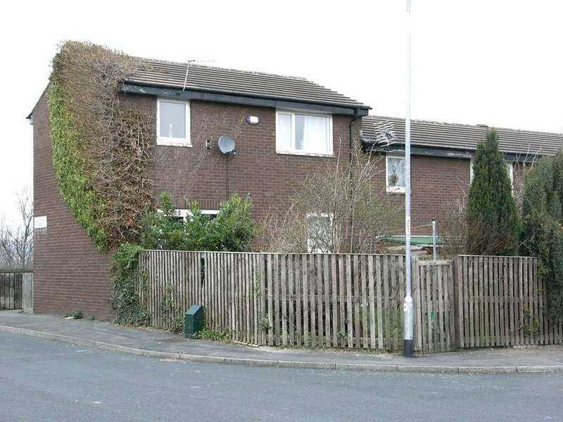 2 Bedrooms Town House for sale in Coal Hill Gardens, Rodley