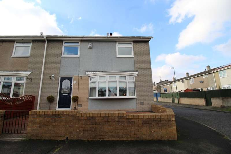 3 Bedrooms Semi Detached House for sale in Scarborough Parade, Hebburn, NE31