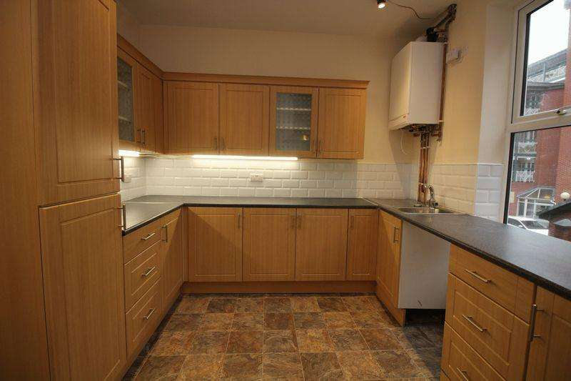 3 Bedrooms Town House for rent in King Street, Southport