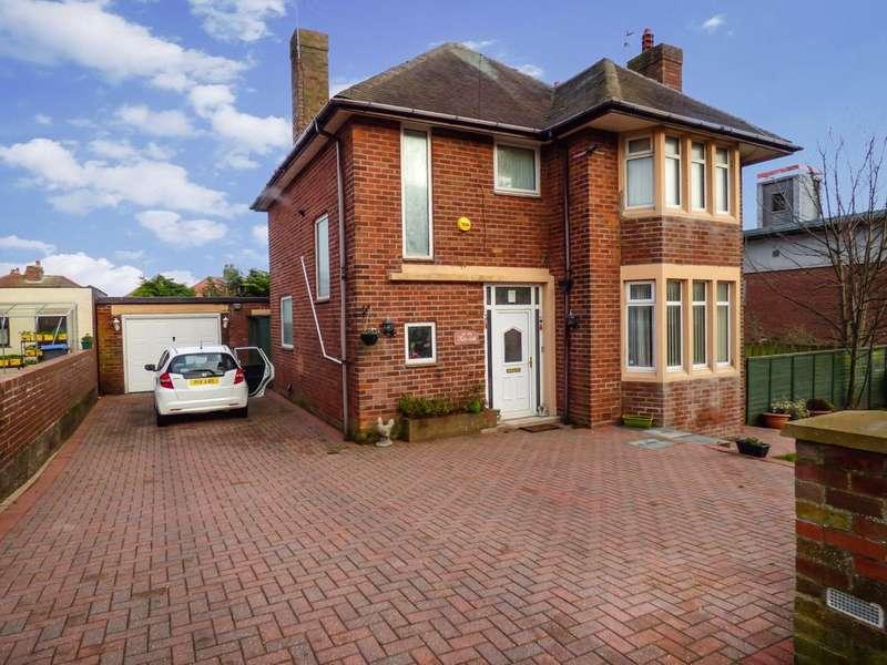 3 Bedrooms Detached House for sale in Sandhurst Avenue, Bispham, Blackpool