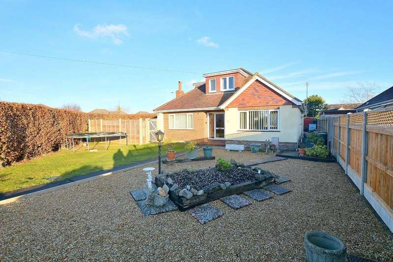 5 Bedrooms Detached Bungalow for sale in Insley Crescent, Broadstone