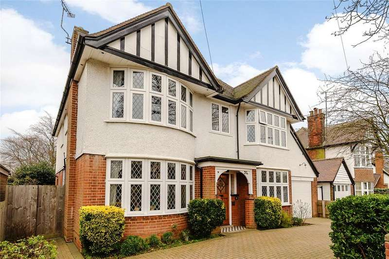 4 Bedrooms Detached House for sale in Beatrice Avenue, Felixstowe, Suffolk