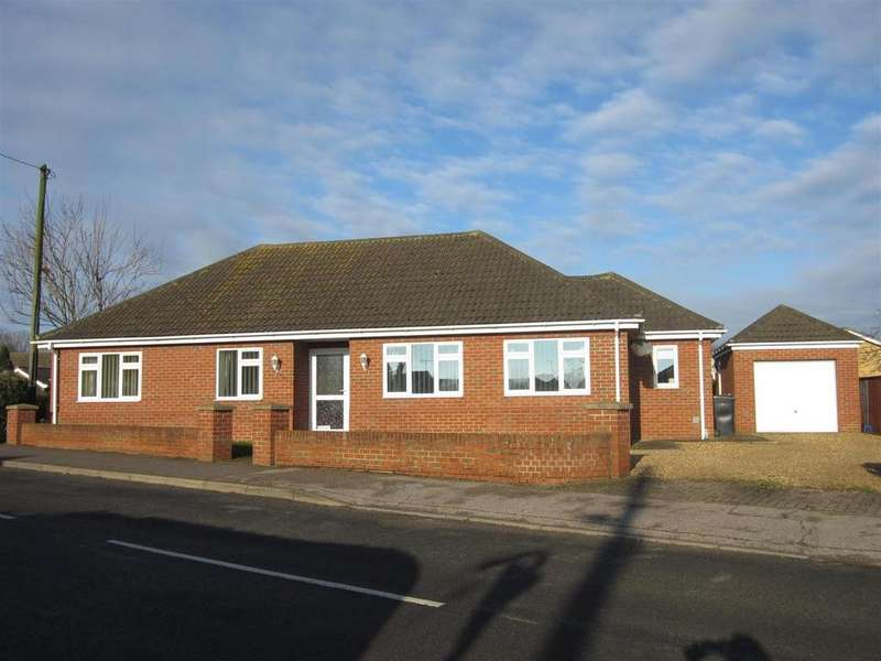 3 Bedrooms Detached Bungalow for sale in Malts Lane, Hockwold