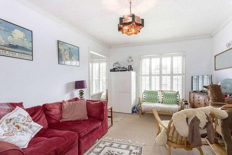2 Bedrooms Flat for sale in Lawford Road, KentishTown, London, NW5
