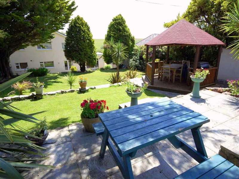4 Bedrooms Detached House for sale in Penally, Tenby