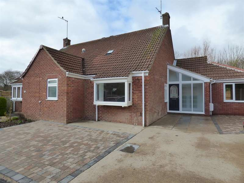 3 Bedrooms Semi Detached House for sale in Burney Close, Beverley, HU17 7EQ