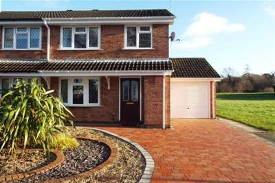 3 Bedrooms House for rent in Chivelstone Grove, Trentham, ST4