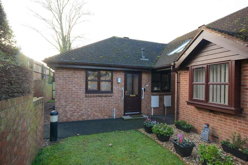 2 Bedrooms Terraced Bungalow for sale in Woodleigh, Keyworth, Nottingham