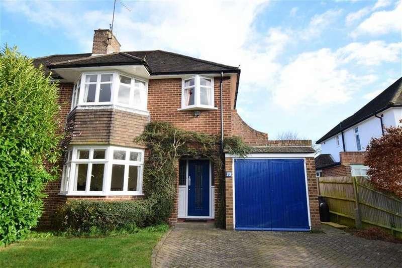 3 Bedrooms Semi Detached House for sale in Burnham Rise, Emmer Green, Reading