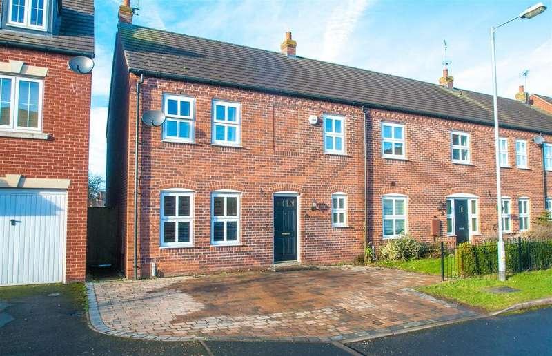4 Bedrooms Semi Detached House for sale in Horner Avenue, Fradley, Lichfield