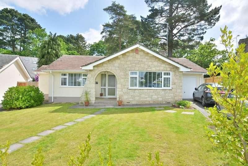 3 Bedrooms Detached Bungalow for sale in Woodside Close, Ferndown