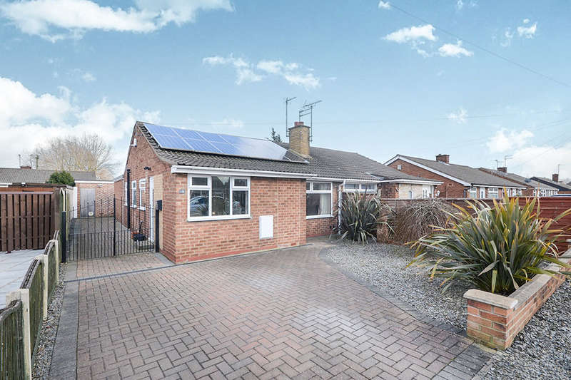3 Bedrooms Semi Detached Bungalow for sale in Buttermere Drive, York, YO30
