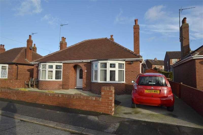 2 Bedrooms Detached Bungalow for sale in St Christopher Road, Bridlington, YO16
