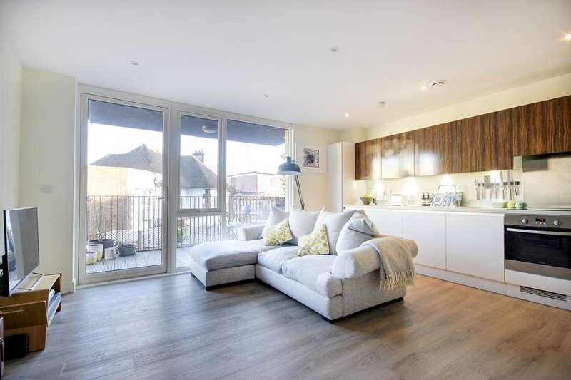 1 Bedroom Flat for sale in 78 Clapton Common, London, E5